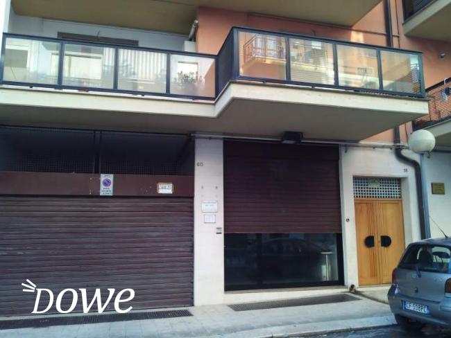 Affittasi a bari immobili in affittasi fittasi for Immobili uso ufficio roma